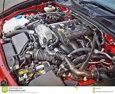 Mazda Mx 5 2015 Motoren - mazda mx 5 motor 2015 redaktionell arkivbild bild av