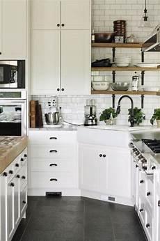 déco cuisine blanche la cuisine blanche et bois en 102 photos inspirantes