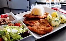 niki air essen essen im flugzeug ein australier kostet und bloggt