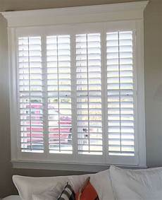 Fenster Rolladen Innen - beautiful home trim work and our plantation shutters