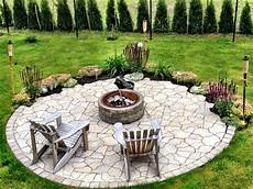 Naturstein Rund Offene Feuerstelle Im Garten Garden
