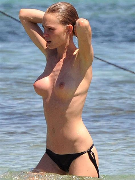 Elle Macpherson Naked