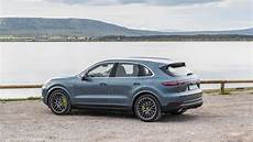 essai porsche cayenne essai porsche cayenne e hybrid 2018 demain commence