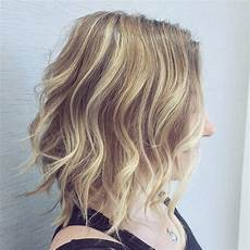 10 latest medium wavy hair styles for shoulder length haircuts 2020