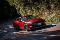 nissan gtr r35 occasion 2015 nissan gt r nismo and gt r premium drive