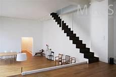 Escalier Noir Et Blanc Suspendu C0807 Mires