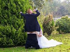 X Wedding s wedding day photo goes viral 2 pics