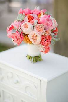 wedding flowers finding the right bridal bouquet size