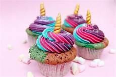 Einfaches Cupcake Rezept - einhorn cupcakes backen einfaches muffin rezept