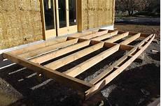 structure terrasse bois les assions terrasse en bois douglas de pierres et de bois