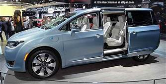 MM Full Review 2017 Chrysler Pacifica  Lexus Enthusiast