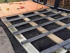 bauanleitung holzterrasse selber bauen die unterkonstruktion holzterrasse hoch bauen