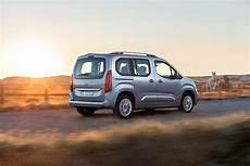 Opel Combo Specs Photos 2018 2019 Autoevolution