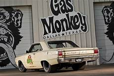 gas monkey revealed how gas monkey s 67 dart beat roadkill