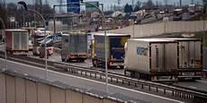 greve routier septembre 2017 routiers fo et cgt maintiennent leur appel 224 la gr 232 ve le 25 septembre