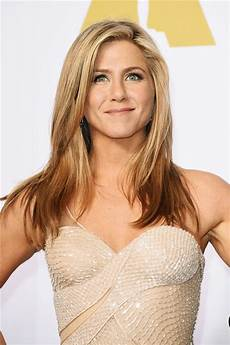 jennifer aniston jennifer aniston hates flying coach in new tv ad ripping u
