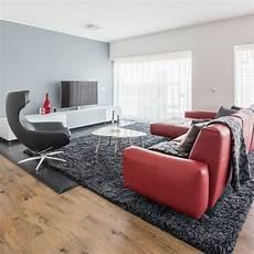 anthrazit sofa welcher teppich rote leder wohnzimmer steingrau wandfarbe anthrazit