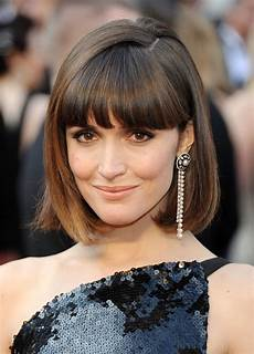 15 of the best hairstyles for medium length straight hair beautyeditor