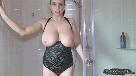 Ewa Sonnet Naked