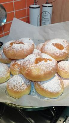 ciambellone con crema pasticcera krapfen al forno con marmellata e crema pasticcera con immagini pasticceria ciambellone dolci