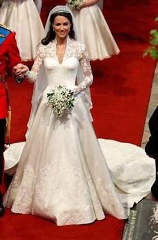 hochzeitskleid kate middleton kate middleton wedding dress updated sequin gown