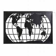 maisons du monde applique carte du monde en m 233 tal noir