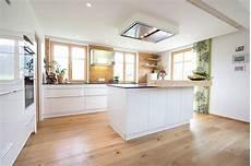 inneneinrichtung wohnzimmer holz k 252 chen und inneneinrichtung projekte in salzburg