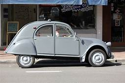 Aussie Old Parked Cars 1959 Citroen 2CV