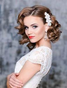 wedding hairstyles for medium length curly hair in 2019 elegant wedding hair vintage wedding