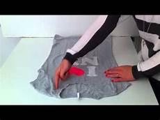 T Shirt Zusammenlegen - anleitung t shirt zusammenlegen schnell ein oberteil