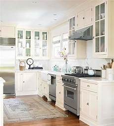 Kitchen Knobs Trends by Top 10 Kitchen Cabinetry Trends Better Homes Gardens
