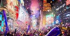 nouvel an new york 2018 times square photos happy new year new york rings in