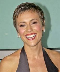 very short haircuts for women after chemo kylie minogue s hair growth after chemotherapy