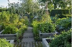 Garten Mit Hochbeeten Gestalten - gestalten und g 228 rtnern mit hochbeeten gartenzauber