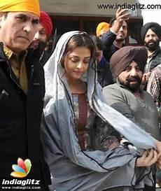 aishwarya bachchan snapped at golden temple bollywood news indiaglitz com