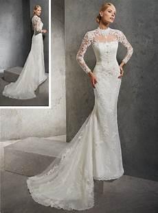 robe de mariée dentelle manches longues robe de mari 233 e fourreau et manches longues en dentelle
