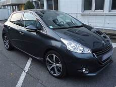 Peugeot 208 1 6 E Hdi Fap 115 Feline 5p Carventura