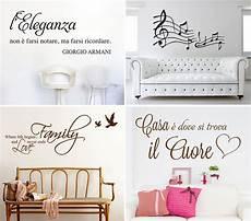 disegni per pareti soggiorno decorare le pareti salotto soluzioni efficaci