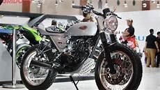 Kawasaki W175 Modif Tracker by Kawasaki W175 Bergaya Tracker Mejeng Di Imos 2018