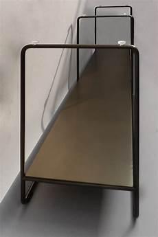 tischplatte aus glas tischgestell aus stahl mit einer tischplatte aus glas