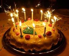 image gateau anniversaire recette de g 226 teau d anniversaire la recette facile