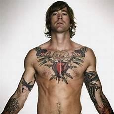 id 233 e tatouage poitrine homme mod 232 le de 358407