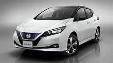 new nissan leaf pre orders hit 3 000 in just one month