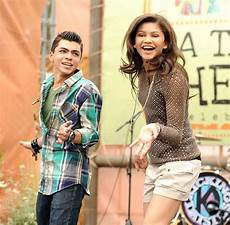who is zendaya coleman s current boyfriend find out her
