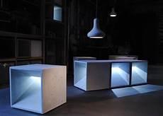 Hocker Und Pendelleuchte Betonware De Luminarias Y