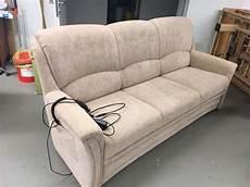 couch elektrisch verstellbar 3 sitzer schlafsofa elektrisch verstellbar in sehr gutem