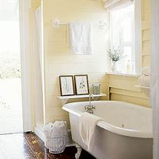 Light Yellow Bathroom Ideas by 2016 S Color Of The Year Alabaster Sw 7008 Is The