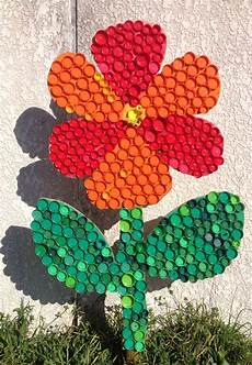 Fleur En Bouchons Plastiques R 233 Cup 233 R 233 S Par Les Enfants