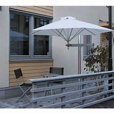 sonnenschirm klein für balkon welche sonnenschutzl 246 sungen f 252 r den balkon sind