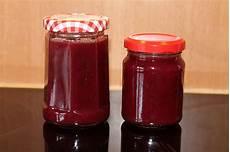 kirschmarmelade mit schokolade kirschmarmelade mit wei 223 er schokolade rezept mit bild